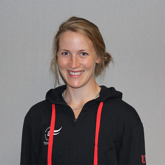Emma Larson - Tennis
